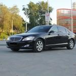Черный MercedesS500 W221